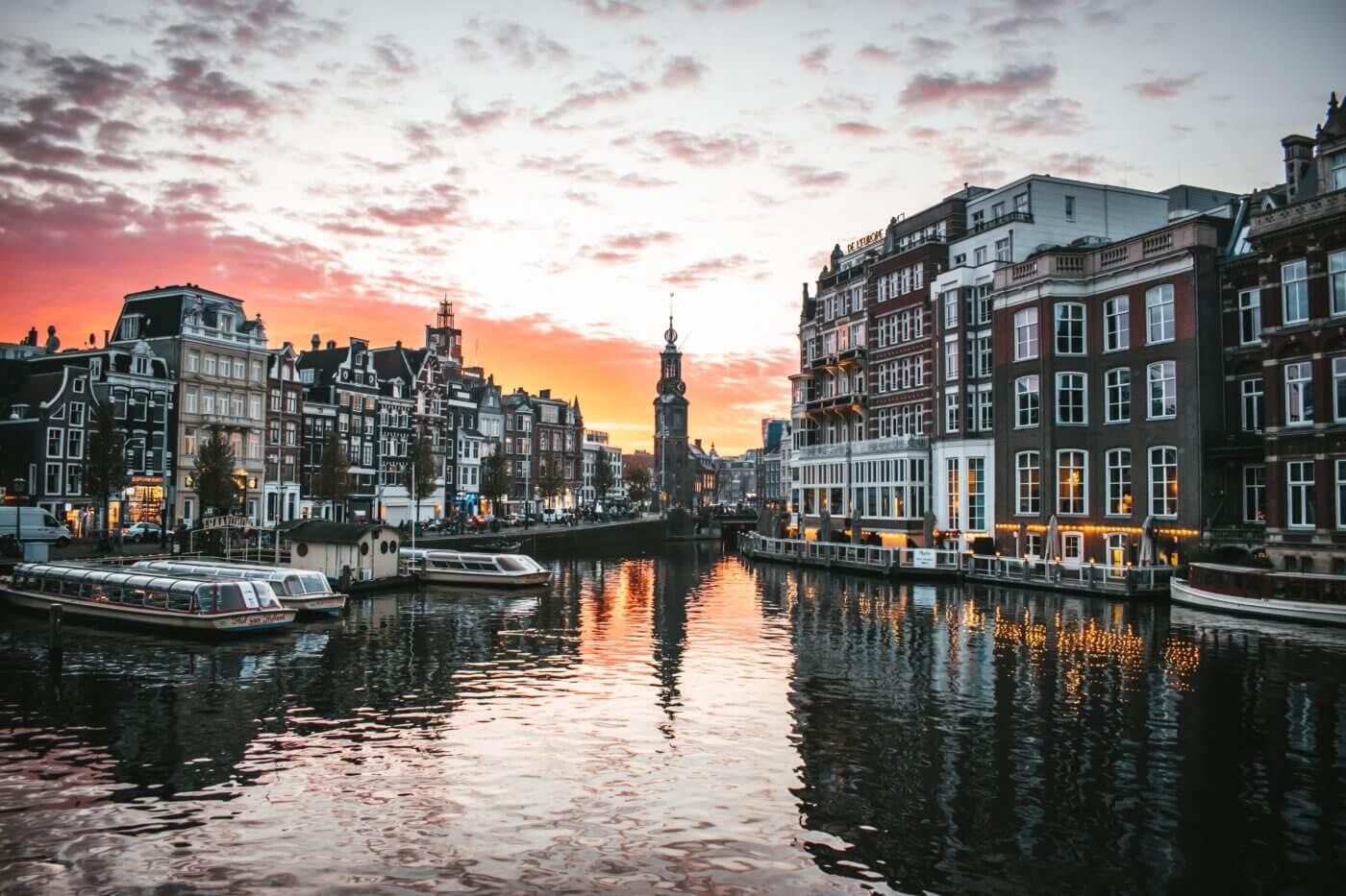 Welcome to Amsterdam, Max van den Oetelaar